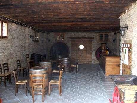 Musica in cantina: Foto della vecchia cantina adibita a taverna del Vecchio Mulino