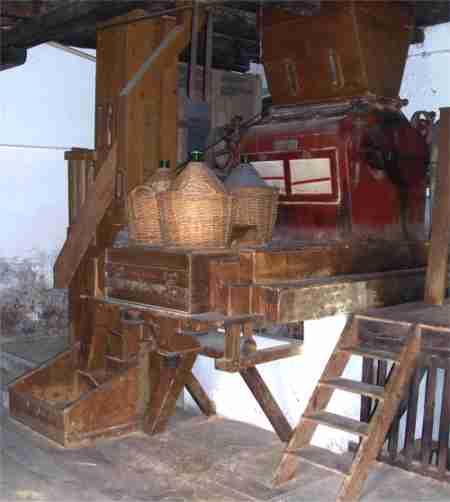 Foto 1 dell'interno del vecchio mulino